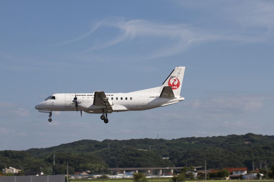 344さんの日本エアコミューター Saab 340 (JA8642) 航空フォト