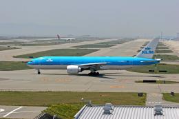 tsubameさんが、関西国際空港で撮影したKLMオランダ航空 777-206/ERの航空フォト(飛行機 写真・画像)