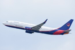M.Tさんが、関西国際空港で撮影した広東龍浩航空 737-8AS(BCF)の航空フォト(飛行機 写真・画像)
