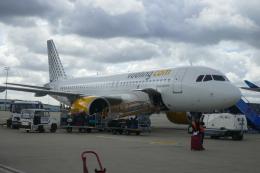 TUILANYAKSUさんが、パリ シャルル・ド・ゴール国際空港で撮影したブエリング航空 A320-271Nの航空フォト(飛行機 写真・画像)