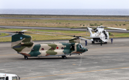 CL&CLさんが、奄美空港で撮影した航空自衛隊 CH-47J/LRの航空フォト(飛行機 写真・画像)