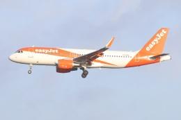 航空フォト:G-EZRX イージージェット A320