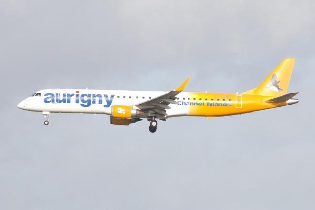 S.Hayashiさんが、ロンドン・ガトウィック空港で撮影したオーリニー・エア・サービス ERJ-190-200 (ERJ-195STD)の航空フォト(飛行機 写真・画像)