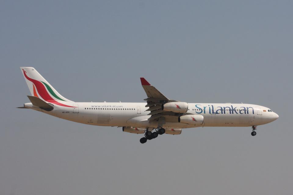 S.Hayashiさんのスリランカ航空 Airbus A340-300 (4R-ADG) 航空フォト