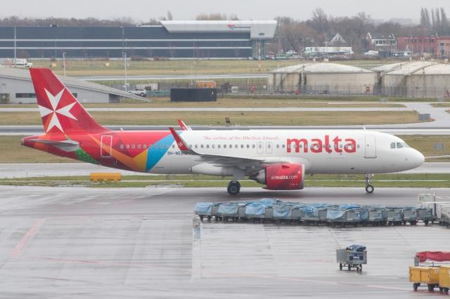 S.Hayashiさんが、アムステルダム・スキポール国際空港で撮影したエア・マルタ A320-251Nの航空フォト(飛行機 写真・画像)