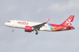 S.Hayashiさんが、ロンドン・ガトウィック空港で撮影したエア・マルタ A320-251Nの航空フォト(飛行機 写真・画像)
