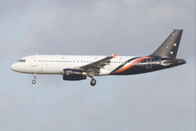 S.Hayashiさんが、ロンドン・ガトウィック空港で撮影したタイタン エアウェイズ A320-233の航空フォト(飛行機 写真・画像)