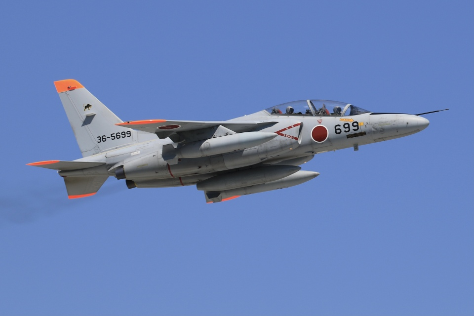 aki241012さんの航空自衛隊 Kawasaki T-4 (36-5699) 航空フォト