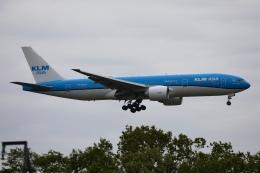 m_aereo_iさんが、成田国際空港で撮影したKLMオランダ航空 777-206/ERの航空フォト(飛行機 写真・画像)