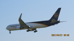 yurtarouさんが、成田国際空港で撮影したUPS航空 767-34AF/ERの航空フォト(飛行機 写真・画像)
