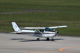 TAKAHIDEさんが、新潟空港で撮影した新中央航空 172P Skyhawk IIの航空フォト(飛行機 写真・画像)
