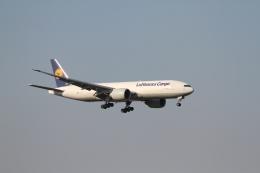 ベリックさんが、成田国際空港で撮影したルフトハンザ・カーゴ 777-FBTの航空フォト(飛行機 写真・画像)