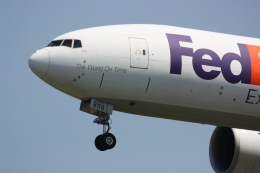 西麻布と焼売弁当さんが、成田国際空港で撮影したフェデックス・エクスプレス 777-FS2の航空フォト(飛行機 写真・画像)
