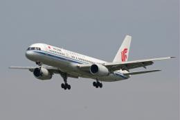 tsubameさんが、福岡空港で撮影した中国国際航空 757-2Z0の航空フォト(飛行機 写真・画像)
