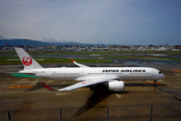 simokさんが、福岡空港で撮影した日本航空 A350-941の航空フォト(飛行機 写真・画像)