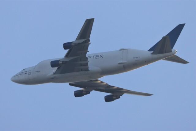 JUTENさんが、中部国際空港で撮影したボーイング 747-4H6(LCF) Dreamlifterの航空フォト(飛行機 写真・画像)