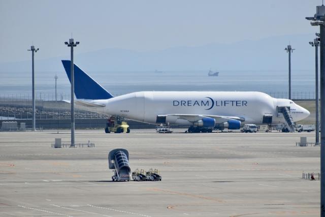 東亜国内航空さんが、中部国際空港で撮影したボーイング 747-4H6(LCF) Dreamlifterの航空フォト(飛行機 写真・画像)