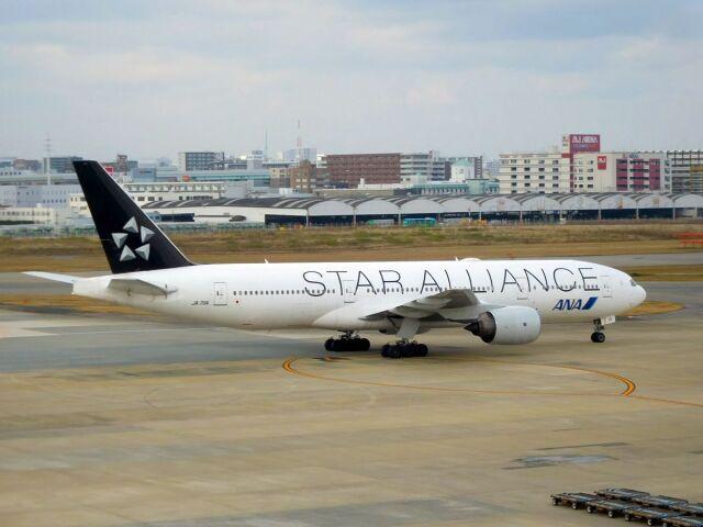 まいけるさんが、羽田空港で撮影した全日空 777-281の航空フォト(飛行機 写真・画像)