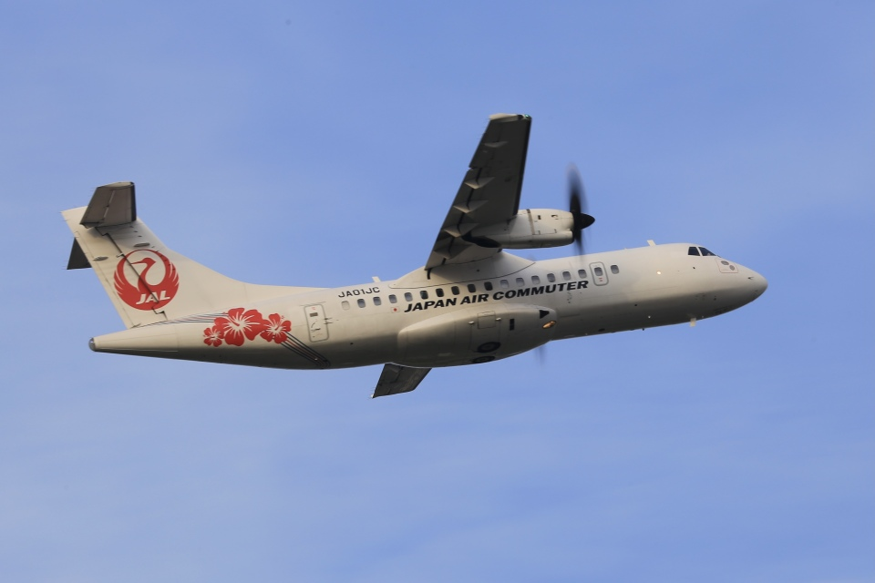aki241012さんの日本エアコミューター ATR 42 (JA01JC) 航空フォト