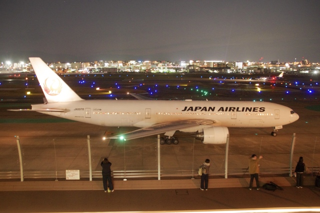 JA8943さんが、福岡空港で撮影した日本航空 777-289の航空フォト(飛行機 写真・画像)