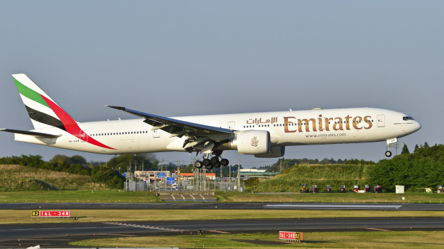 パンダさんが、成田国際空港で撮影したエミレーツ航空 777-31H/ERの航空フォト(飛行機 写真・画像)