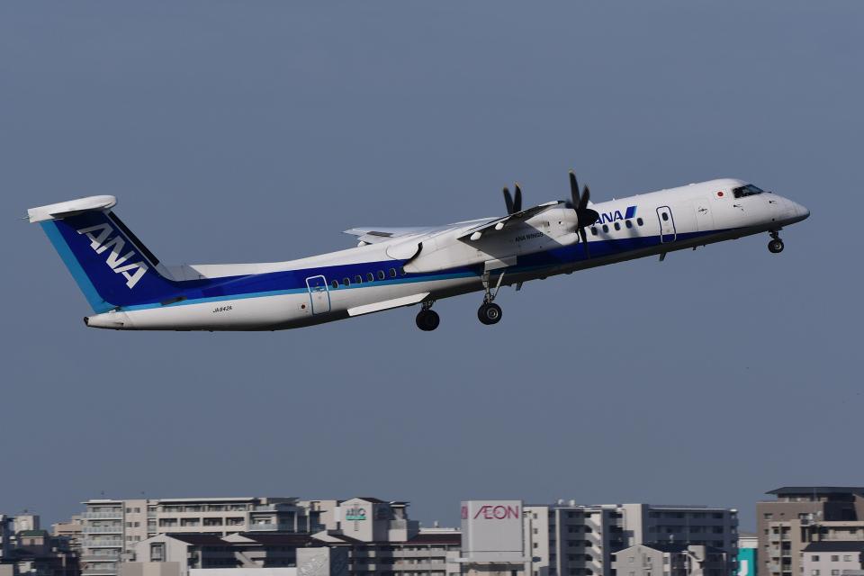 TOPAZ102さんのANAウイングス Bombardier DHC-8-400 (JA842A) 航空フォト