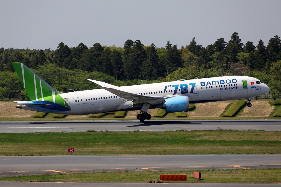TAKA-Kさんのバンブー・エアウェイズ Boeing 787-9 (VN-A819) 航空フォト