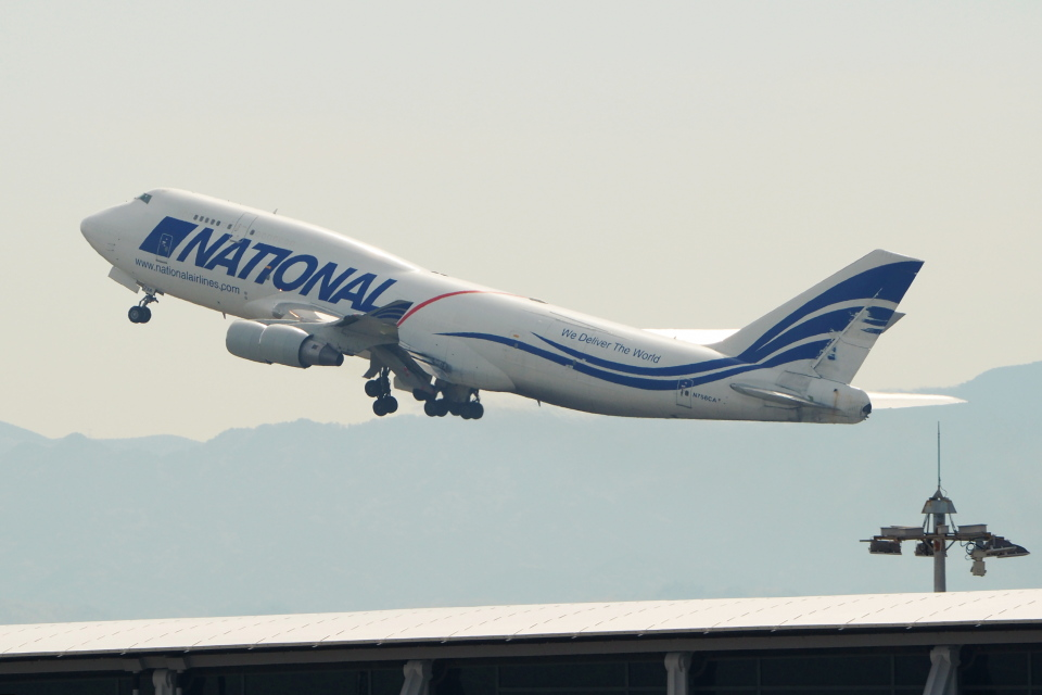 naveさんのナショナル・エアラインズ Boeing 747-400 (N756CA) 航空フォト