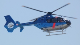 cathay451さんが、神戸空港で撮影した警視庁 EC135T2+の航空フォト(飛行機 写真・画像)
