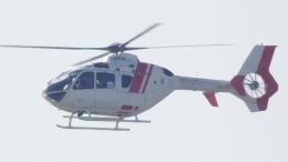 cathay451さんが、神戸空港で撮影した学校法人ヒラタ学園 航空事業本部 EC135P2+の航空フォト(飛行機 写真・画像)