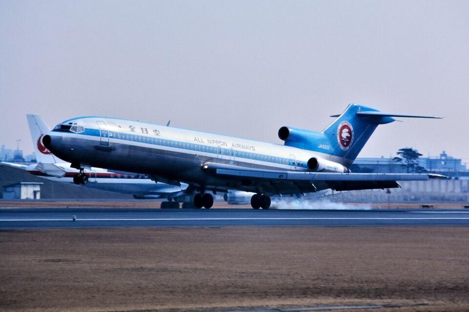 パール大山さんの全日空 Boeing 727-200 (JA8355) 航空フォト