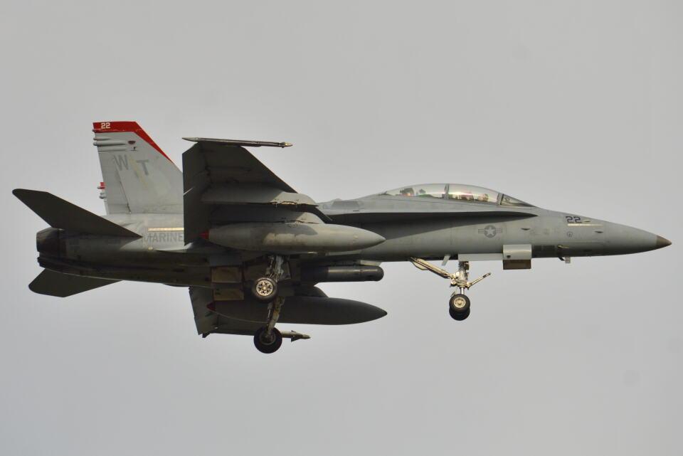 350JMさんのアメリカ海兵隊 McDonnell Douglas F/A-18 Hornet (164688) 航空フォト