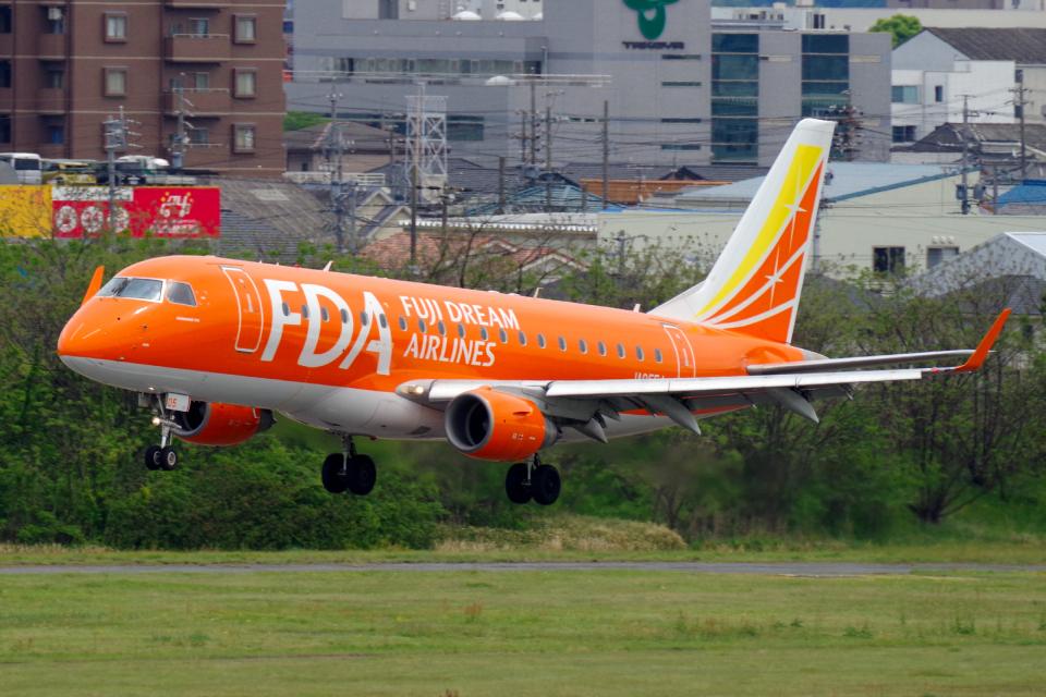 yabyanさんのフジドリームエアラインズ Embraer 175 (JA05FJ) 航空フォト