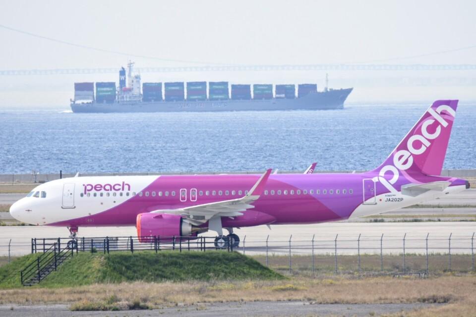 M.Tさんのピーチ Airbus A320neo (JA202P) 航空フォト