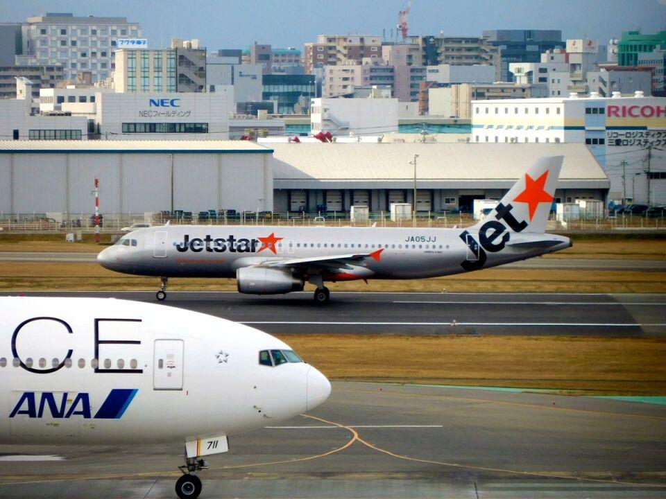 まいけるさんのジェットスター・ジャパン Airbus A320 (JA05JJ) 航空フォト