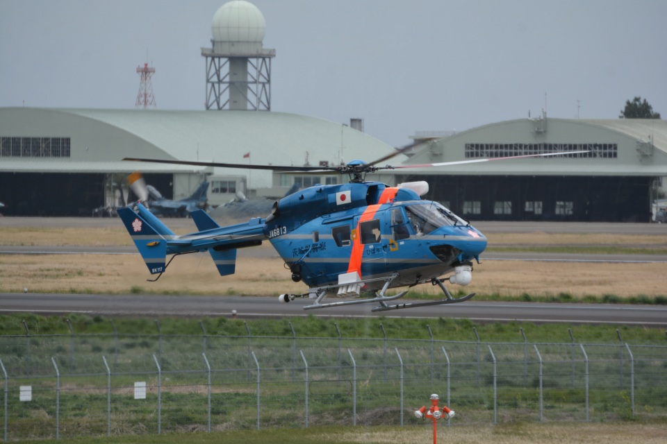 LEGACY-747さんの茨城県警察 Kawasaki BK117 (JA6813) 航空フォト