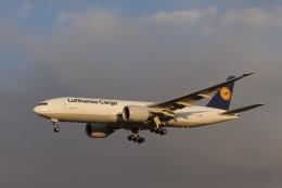 344さんが、成田国際空港で撮影したルフトハンザ・カーゴ 777-FBTの航空フォト(飛行機 写真・画像)