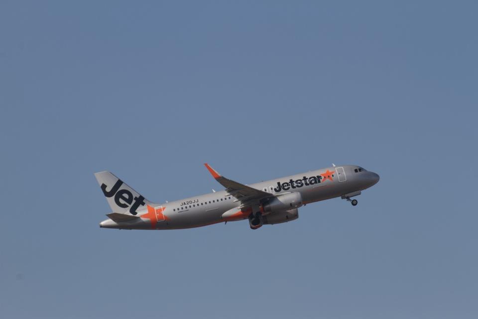 344さんのジェットスター・ジャパン Airbus A320 (JA20JJ) 航空フォト