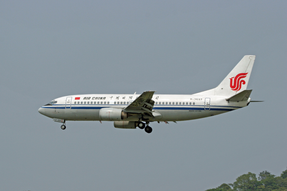 tsubameさんの中国国際航空 Boeing 737-300 (B-2597) 航空フォト