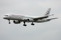 tsubameさんが、福岡空港で撮影したオムニエアインターナショナル 757-28Aの航空フォト(飛行機 写真・画像)