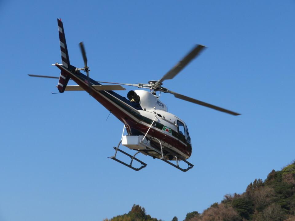 チダ.ニックさんのエクセル航空 Eurocopter AS350 Ecureuil/AStar (JA358Y) 航空フォト