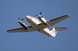 hanatomo735さんが、岩国空港で撮影したアメリカ陸軍 C-12U-3 Huron (B200C)の航空フォト(飛行機 写真・画像)