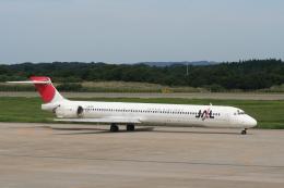 NIKEさんが、秋田空港で撮影した日本航空 MD-90-30の航空フォト(飛行機 写真・画像)