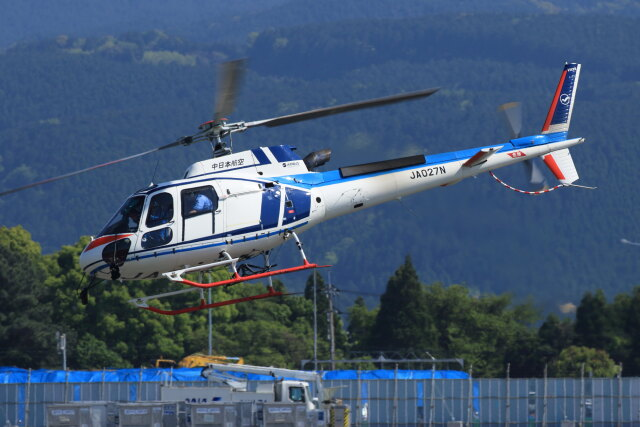 kengo.k@RJFTさんが、熊本空港で撮影した中日本航空 AS350B3 Ecureuilの航空フォト(飛行機 写真・画像)