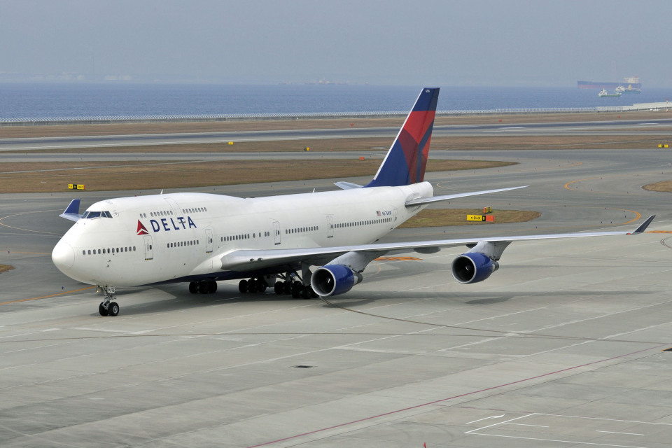 Gambardierさんのデルタ航空 Boeing 747-400 (N676NW) 航空フォト