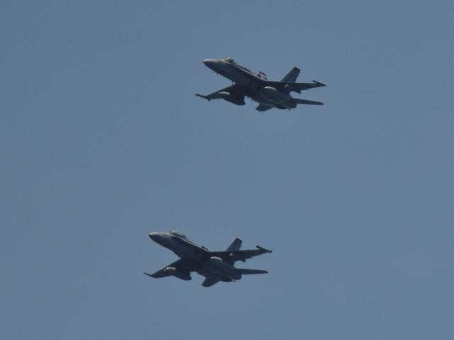 NFファンさんが、厚木飛行場で撮影したアメリカ海兵隊 F/A-18D Hornetの航空フォト(飛行機 写真・画像)