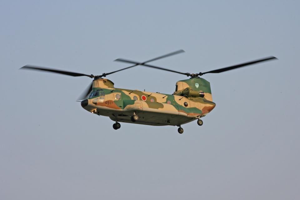tsubameさんの航空自衛隊 Kawasaki CH-47J Chinook (57-4491) 航空フォト