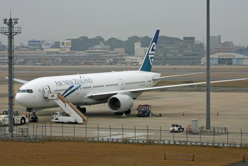 tsubameさんのニュージーランド航空 Boeing 777-200 (ZK-OKE) 航空フォト