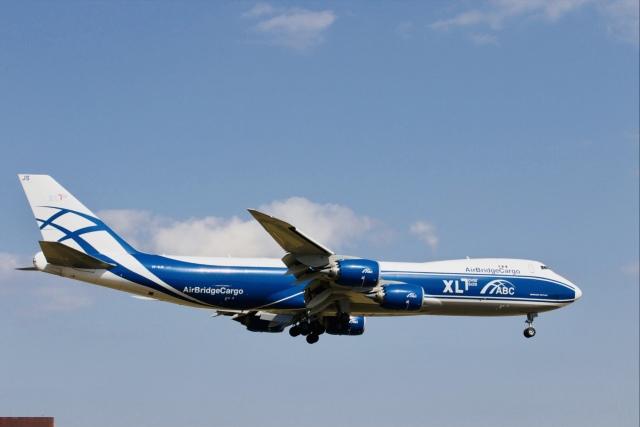 おっしーさんが、成田国際空港で撮影したエアブリッジ・カーゴ・エアラインズ 747-8Fの航空フォト(飛行機 写真・画像)