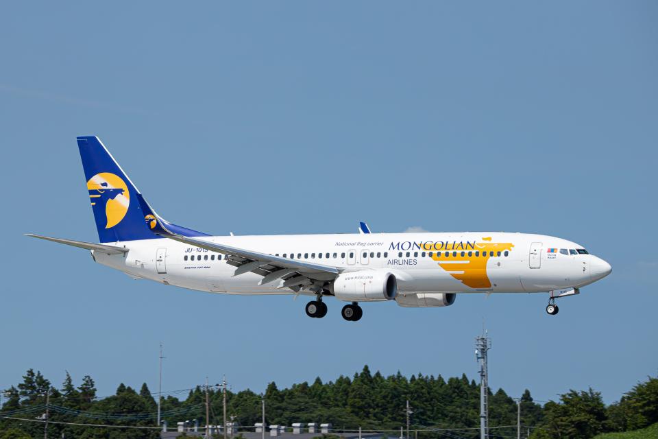 SGR RT 改さんのMIATモンゴル航空 Boeing 737-800 (JU-1015) 航空フォト